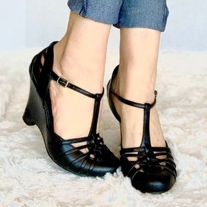 Mossimo T Strap Black Wedges